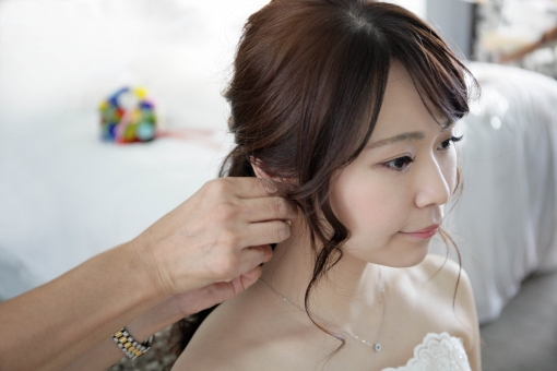 念願の結婚式!でもヘアセットはどうしよう?美容院行く?時間は?