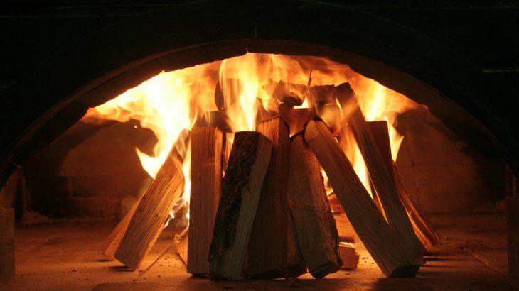 キャンプ用薪ストーブを買いたい!大きさや燃焼時間などアドバイス